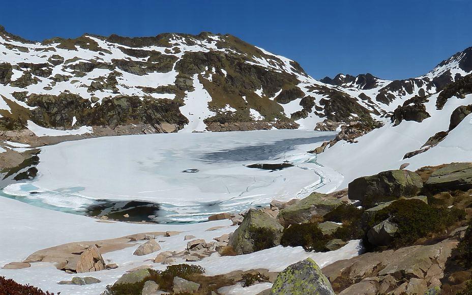 Ruta al Estany de Juclar en el Valle de Incles (La Baladosa)
