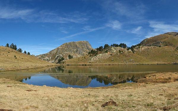 Estany de Siscaró (lago de Baix) desde La Baladosa en Incles